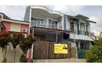 Dijual rumah 2 lantai dengan 4 kamar tidur di harapan indah