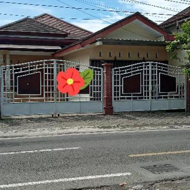 Rumah di Yogyakarta tengah.Cck utk kantor.