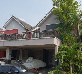 Dijual Rumah de Latinos, Cluster La Vintage Tangerang-serpong