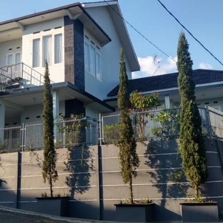 Rumah 2 lantai bagus kokoh dijual beserta perabotannya bagus