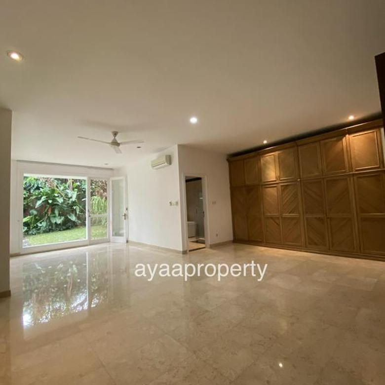 Great  Beautiful House in Kemang
