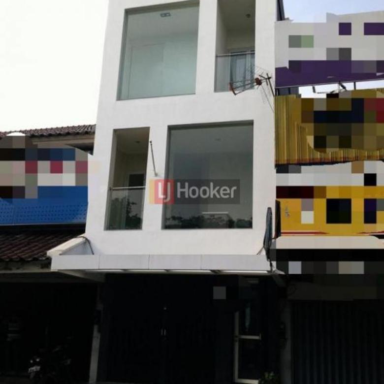 Ruko 2.5 Lantai Di Jalan Kelapa Hibrida, Area Kelapa Gading