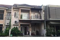 Rumah 2 lantai cluster strategis pinggir jalan angkot di Jagakarsa Security