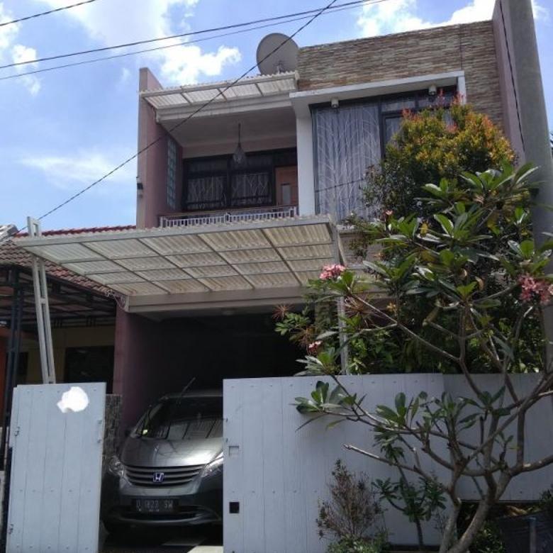 rumah 2 lantai nyaman dan asri lingkungan terbaik di villa pajajaran