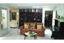 Rumah Menteng central dekat Agus Salim