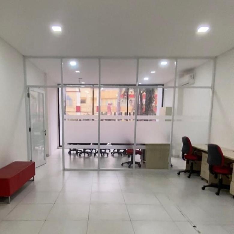 Ruko 3 Lantai Sudah Renov Cocok Utk Klinik Depan Mall Cinere