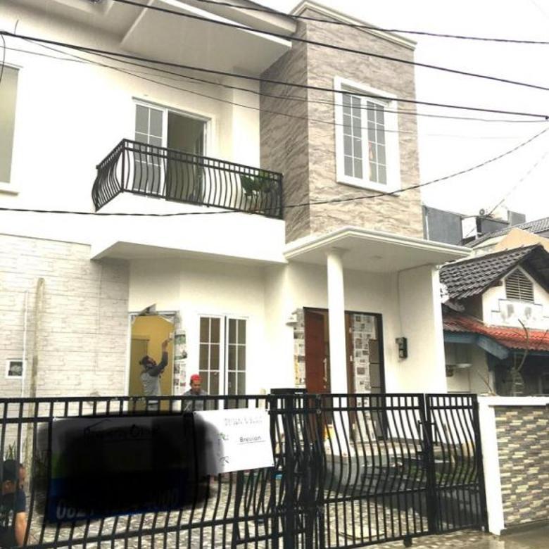 Rumah bagus baru bangun di Griya loka BSD City, siap huni