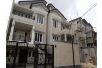 Dijual Rumah Minimalis Modern Nyaman di Mampang, Jaksel