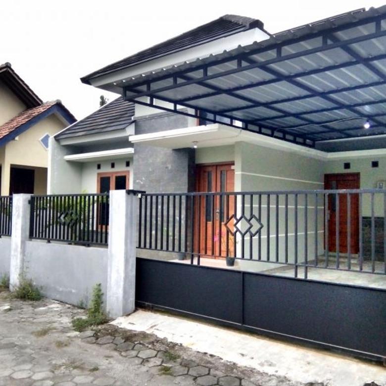 Rumah Cantik Samping Masjid di Maguwoharjo dekat Jogja Bay
