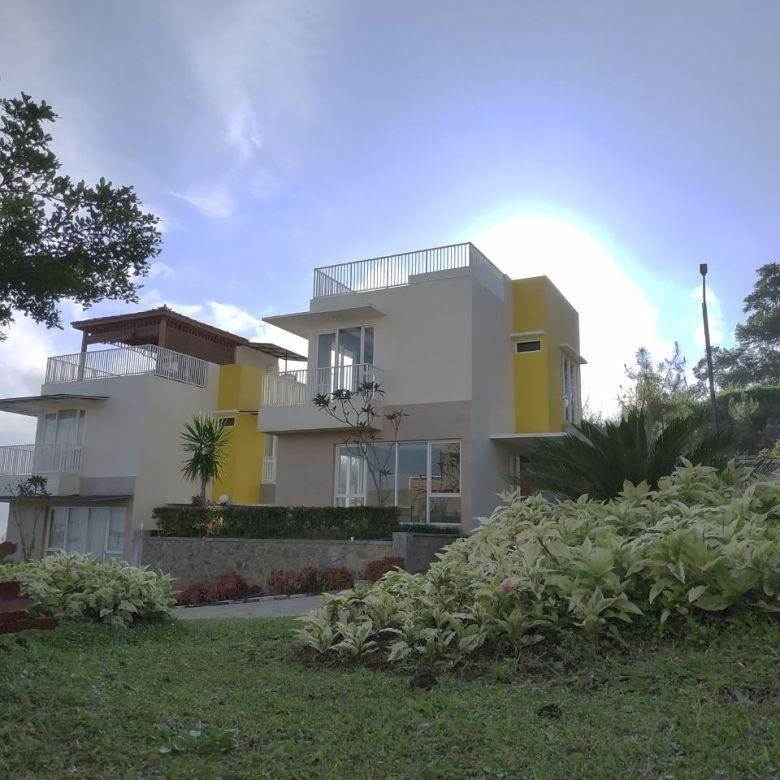 Rumah Dijuaal lokasi Cisarua Bandung   PROF M