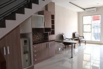 Sewa Rumah 2 Lantai di Pengadegan, Jakarta Selatan
