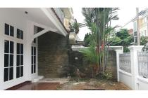 Dijual Rumah Nyaman di Puri Indah Jakarta Barat