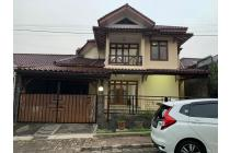 Rumah Di Cinere, 2Lt, Siap Huni, Nyaman dan Asri dlm Perumahan