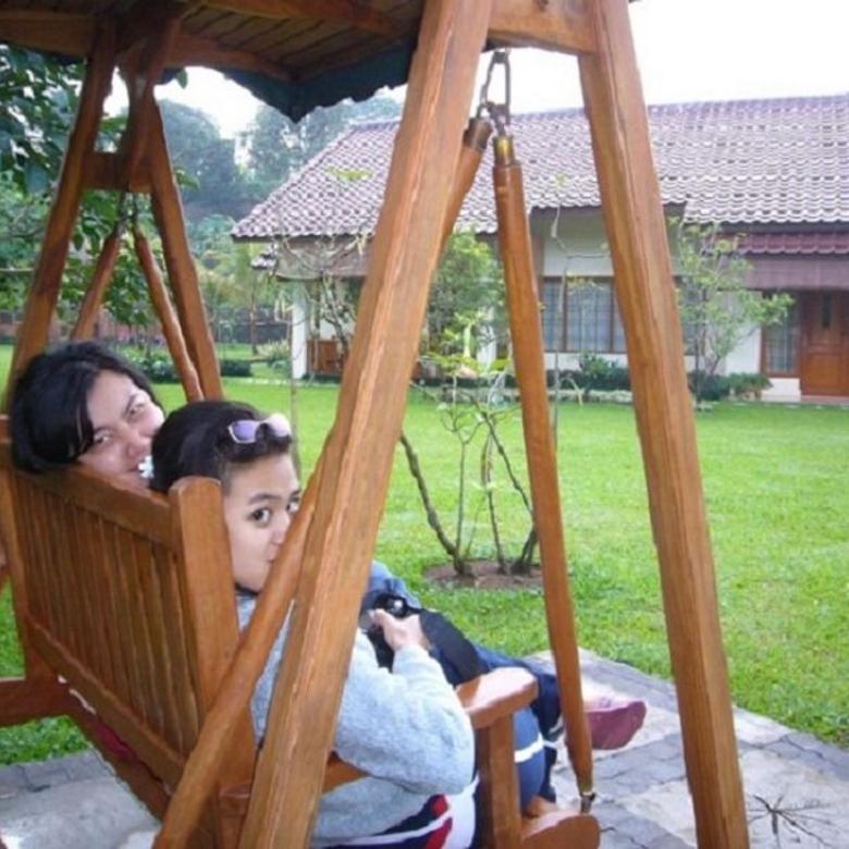 Villa De Hoek dg KOLAM RENANG & PANCING Pribadi di Ciawi-Bogor