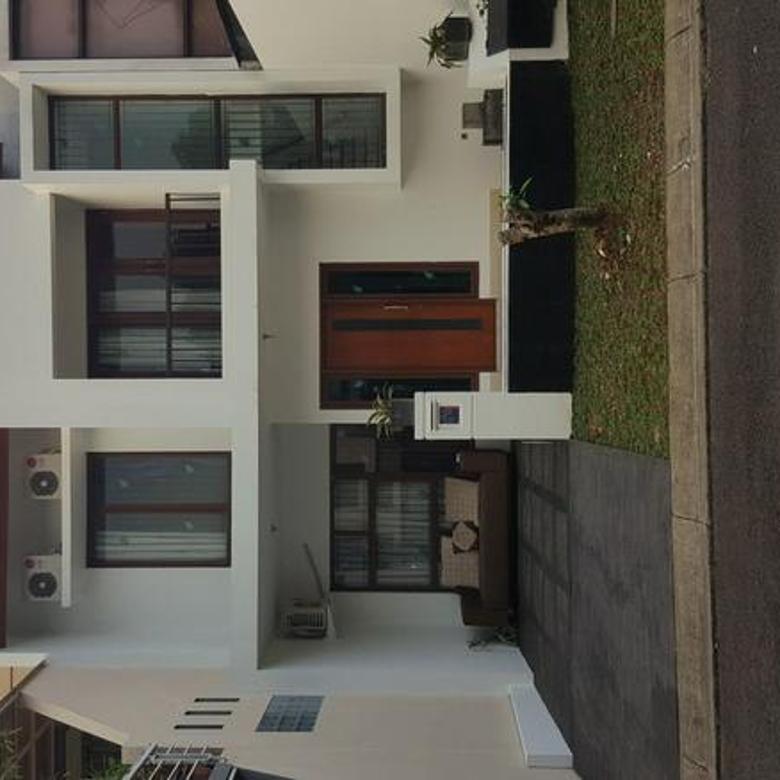 Rumah di Bintaro Emerald Town House sektor 9 Bintaro