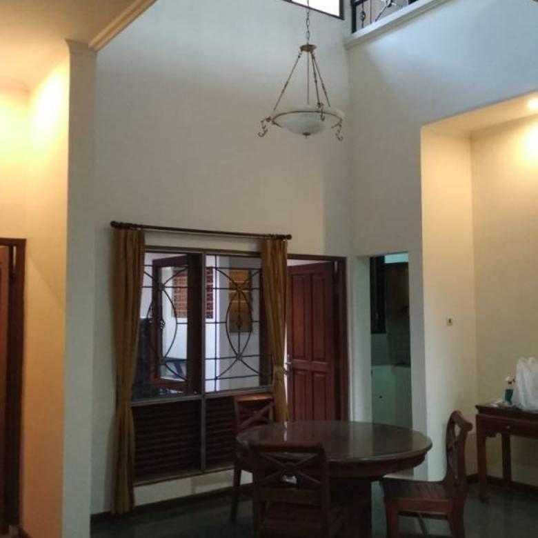 Rumah Asri di dalam Komplek Bumi Daya, Cinere
