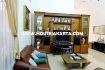 Rumah Bagus 2 lantai jalan Prapanca kebayoran Baru Dijual Murah Jarang ADA