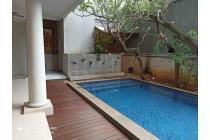 Rumah bagus di Area Pakubuwono Kebayoran Baru Jakarta Selatan