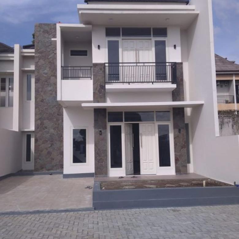 Dijual Rumah Villa Baru Minimalis 2 Lantai Exclusive Setabudi