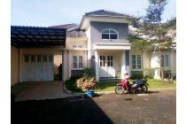 Dijual Cepat (BU) : Rumah Bagus Lt 200m2 Cluster Manahan Solo Kota