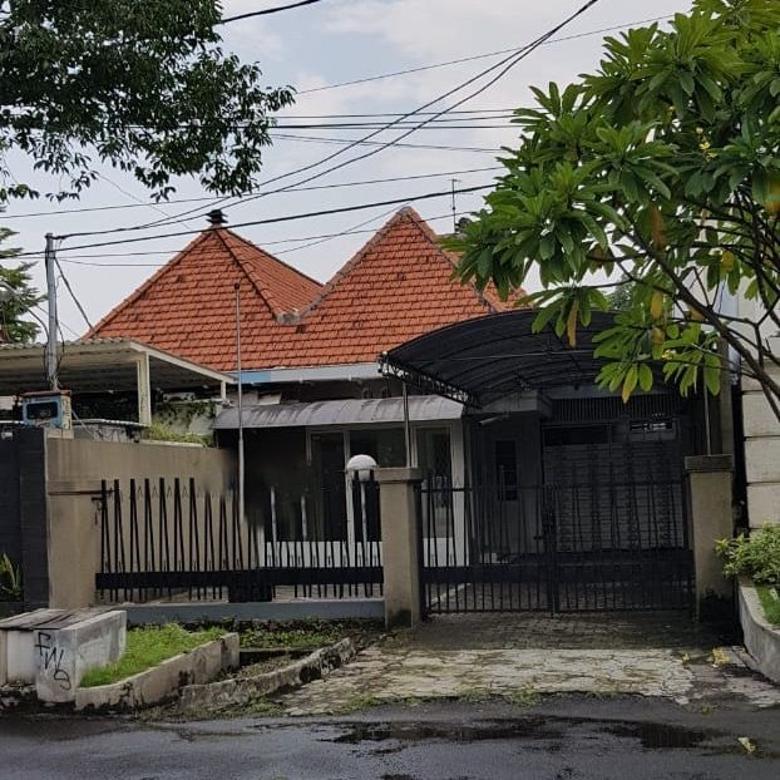 Rumah dijual di WR Supratman Surabaya, Raya Darmo