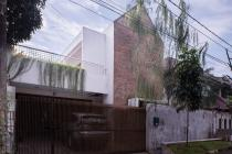 BU Segera,Rumah dijual dekat tol cibubur di Jakarta Selatan