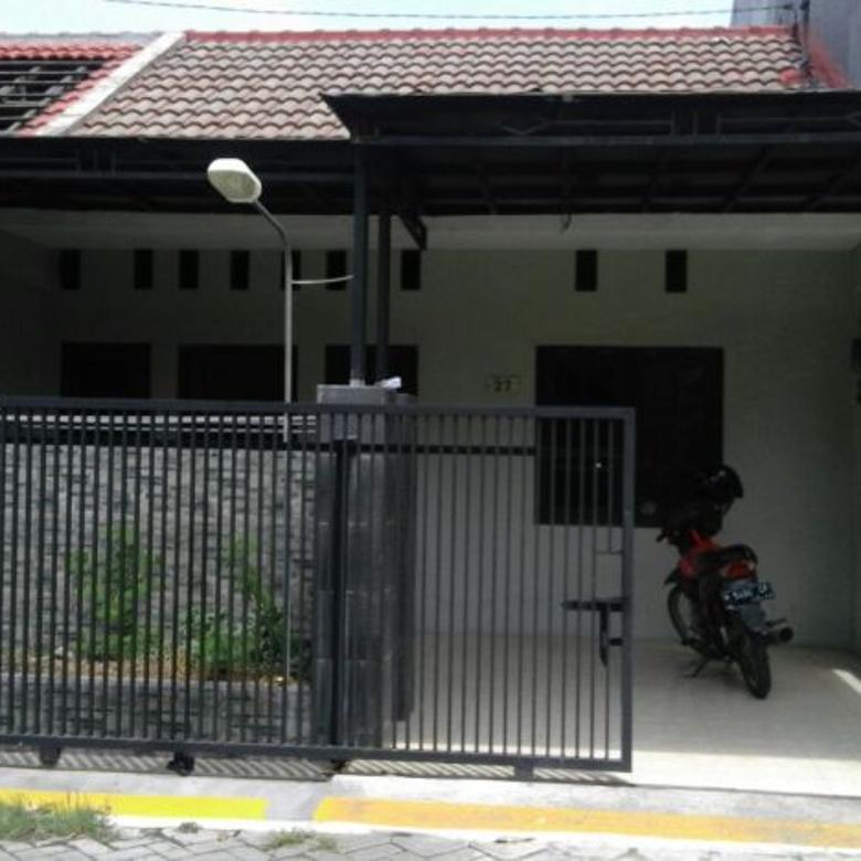 Disewakan Cepat Rumah Lokasi Strategis Jl.Sampit GKB Manyar Gresik