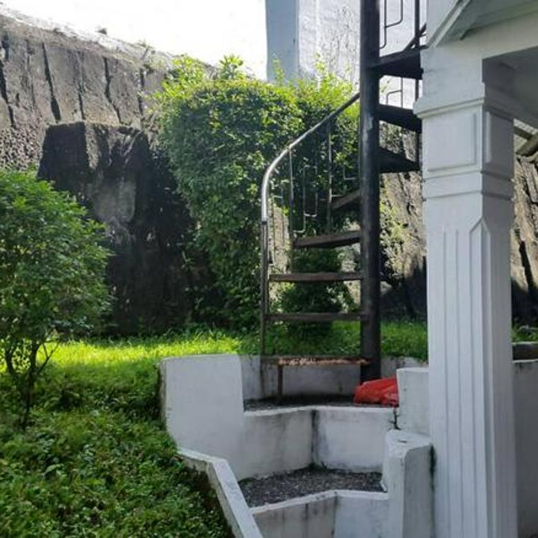 Rumah tinggal Komplek Surya Sumantri