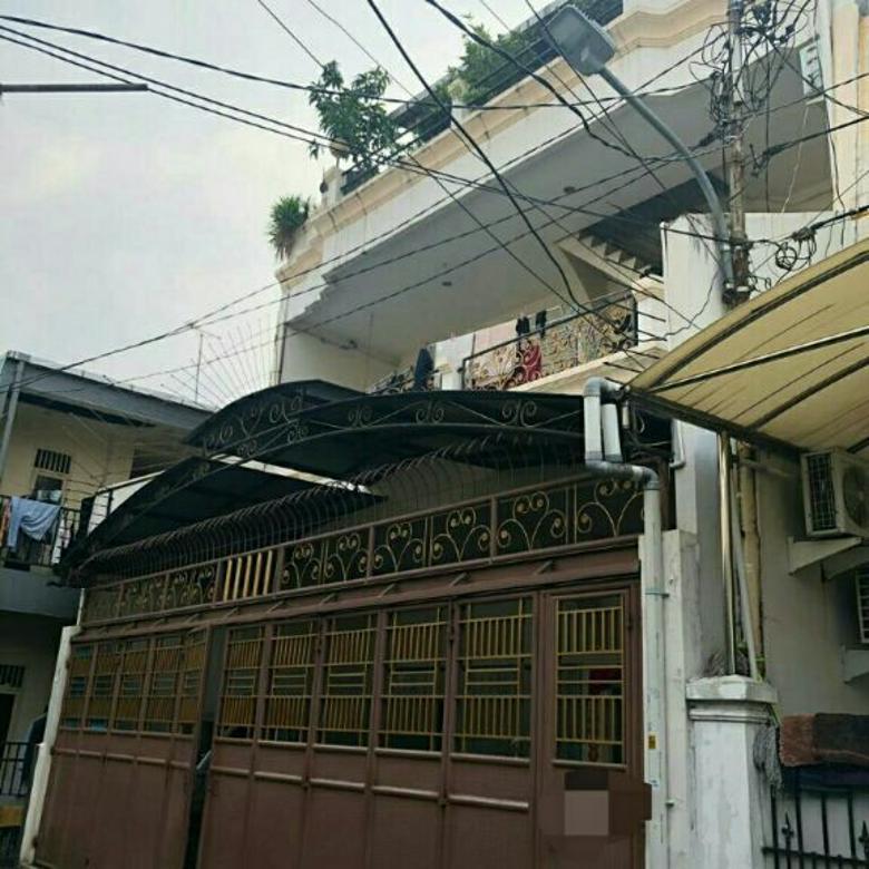 Dijual rumah pembangunan gajah Mada kota Jakarta barat