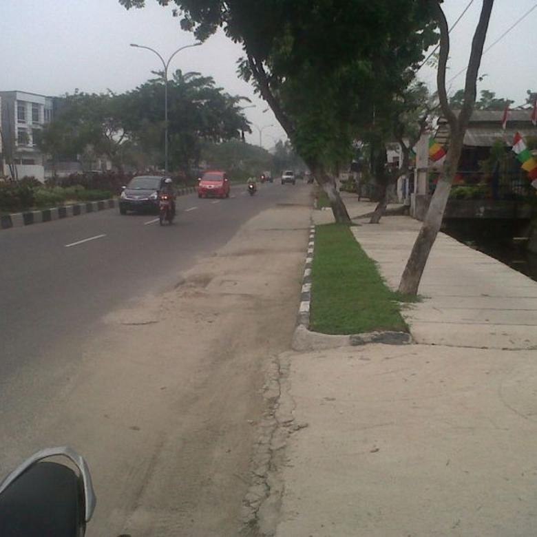 Tanah Strategis, jalur dua Arifin Ahmad, Pekanbaru