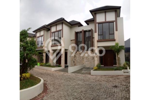 Rumah 2 lantai di dalam town house exclusive di Jatibening, Bekasi 12960400