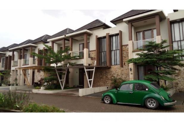 Rumah 2 lantai di dalam town house exclusive di Jatibening, Bekasi 12960397