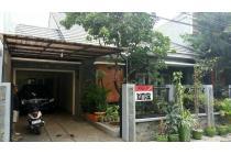 Rumah Kebayoran Baru Minimalis Konstruksi 2 Lantai