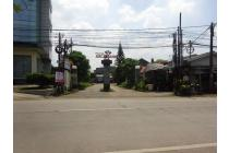 rumah luas siap huni  harga murah di depan SOR Bandung di Permata Arcamanik