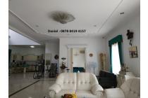 Rumah Cantik Hoek Villa Gading Indah