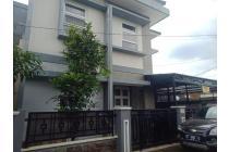 Rumah 5 kamar tidur dalam kota jogja dekat ke tugu malioboro