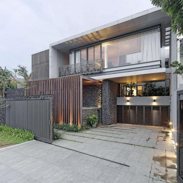 Dijual Rumah Senayan-Modern House Dekat Senayan City