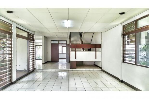 Rumah luas dan besar cocok untuk usaha di jl. lebak bulus 7058890