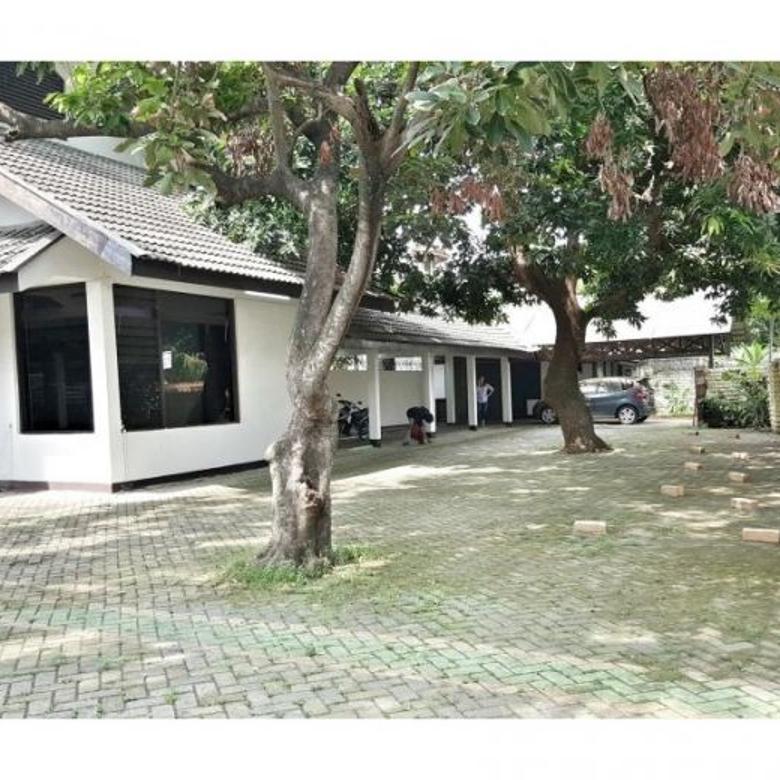 Rumah luas dan besar cocok untuk usaha di jl. lebak bulus