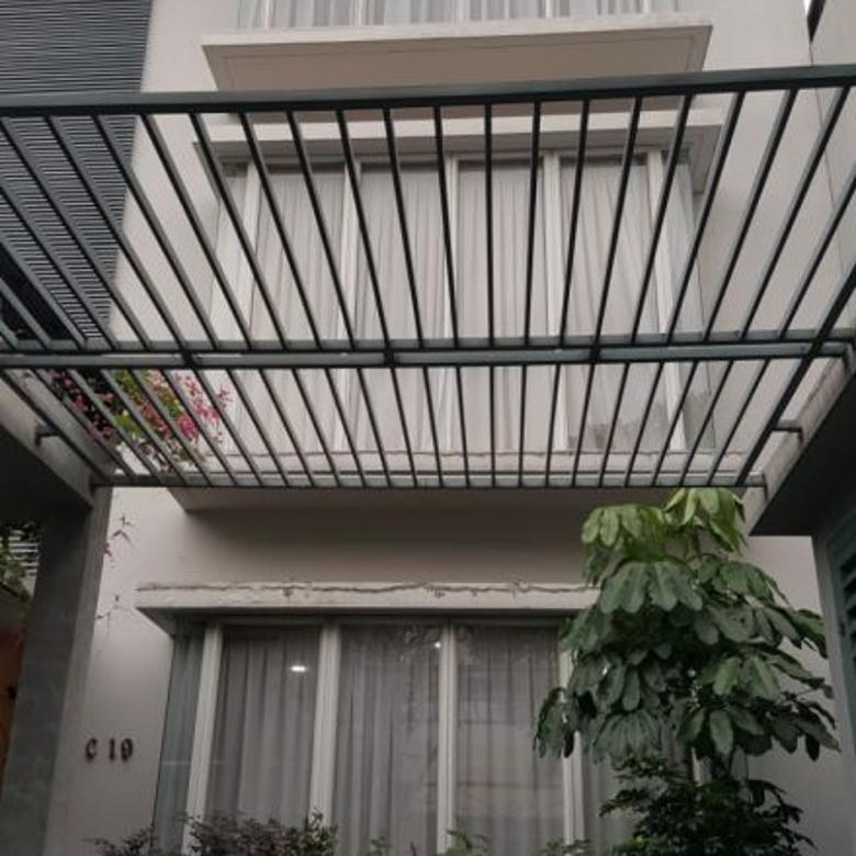 For Rent Beautiful Furnished Townhouse at Cilandak