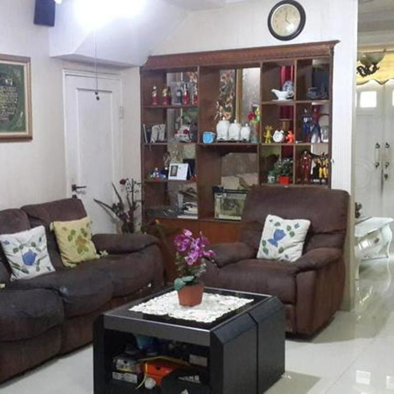 Rumah 2lantai siap huni luas 8x20 160m type 3KT Metland Cakung Jakarta Timur