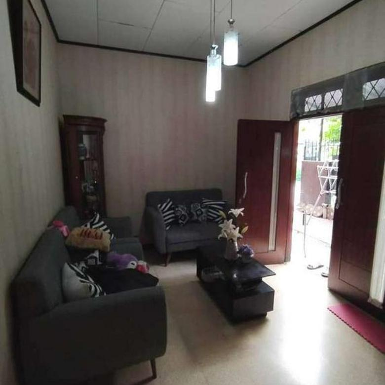 Rumah hoek siap huni dengan luas 8x29 235m2 type 4KT Duren Sawit Jakarta Timur