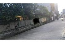 CHANDRA*rumah tua posisi hoek jalan 2 mobil di jelambar