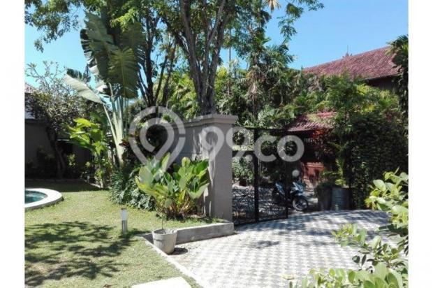 Di jual villa mewah dan asri daerah kerobokan 12397969