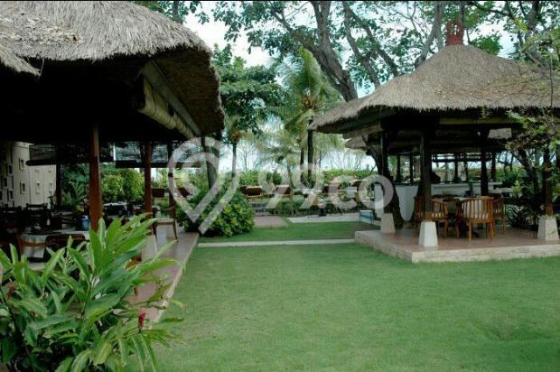 hotel istimewa depan pantai legian kuta bali 9557352