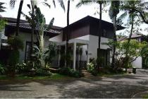 Bright Balinese Style House In A Compound. Close To Simatupang.