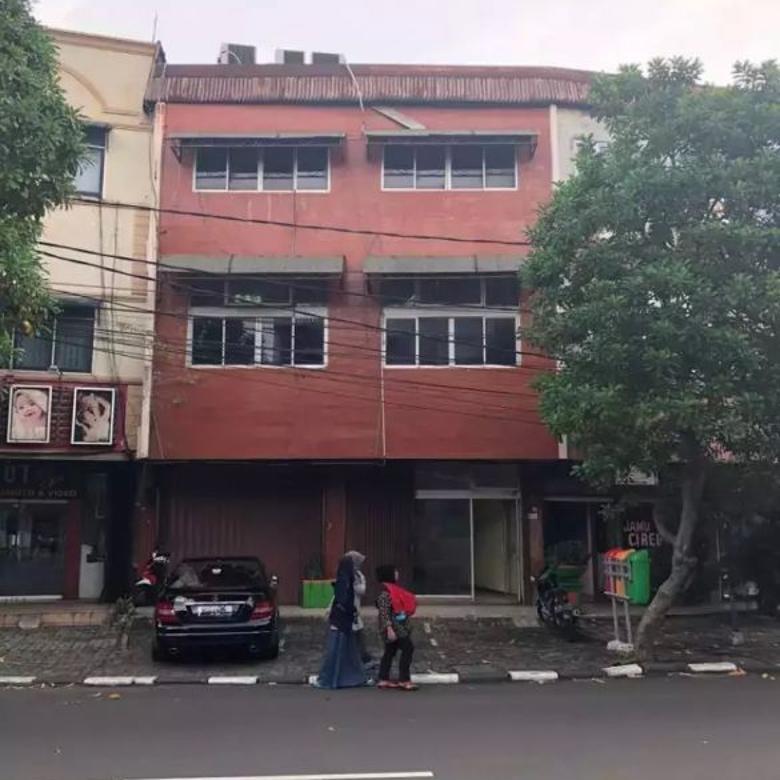 Jual Murah Ruko 3 Lantai Strategis Asem Baris Tebet size 250m