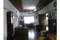 Cari rumah di daerah Dago Bandung tanah luas