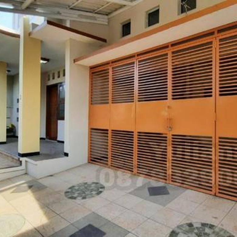 Rumah Bagus tingkat 2 Lantai siap pakai di Jl. Pusponjolo, Semarang