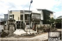 Rumah Baru Istimewa di Semolowaru Elok , Surabaya